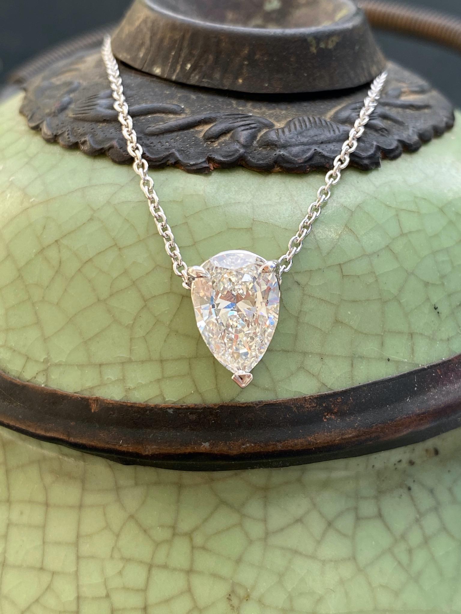 Drop shape diamond pendant