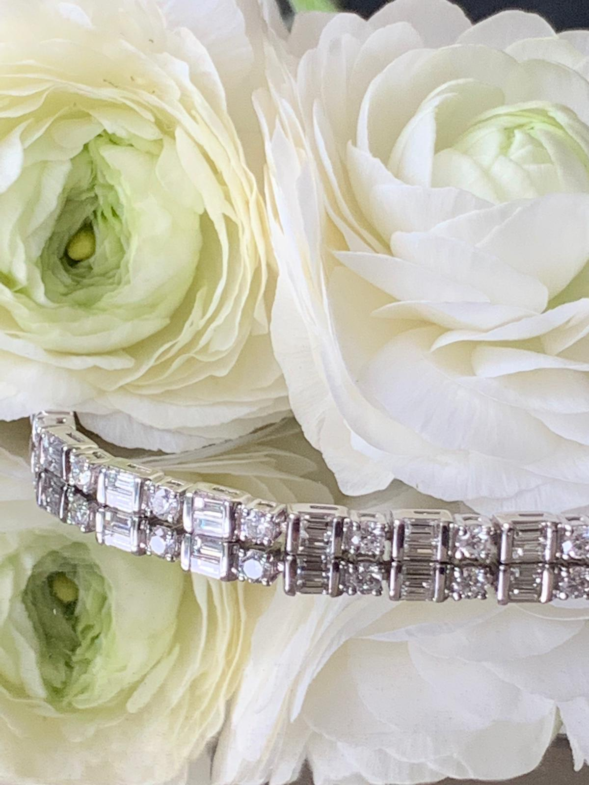 Tennis bracelet with baguette and brilliant cut diamonds