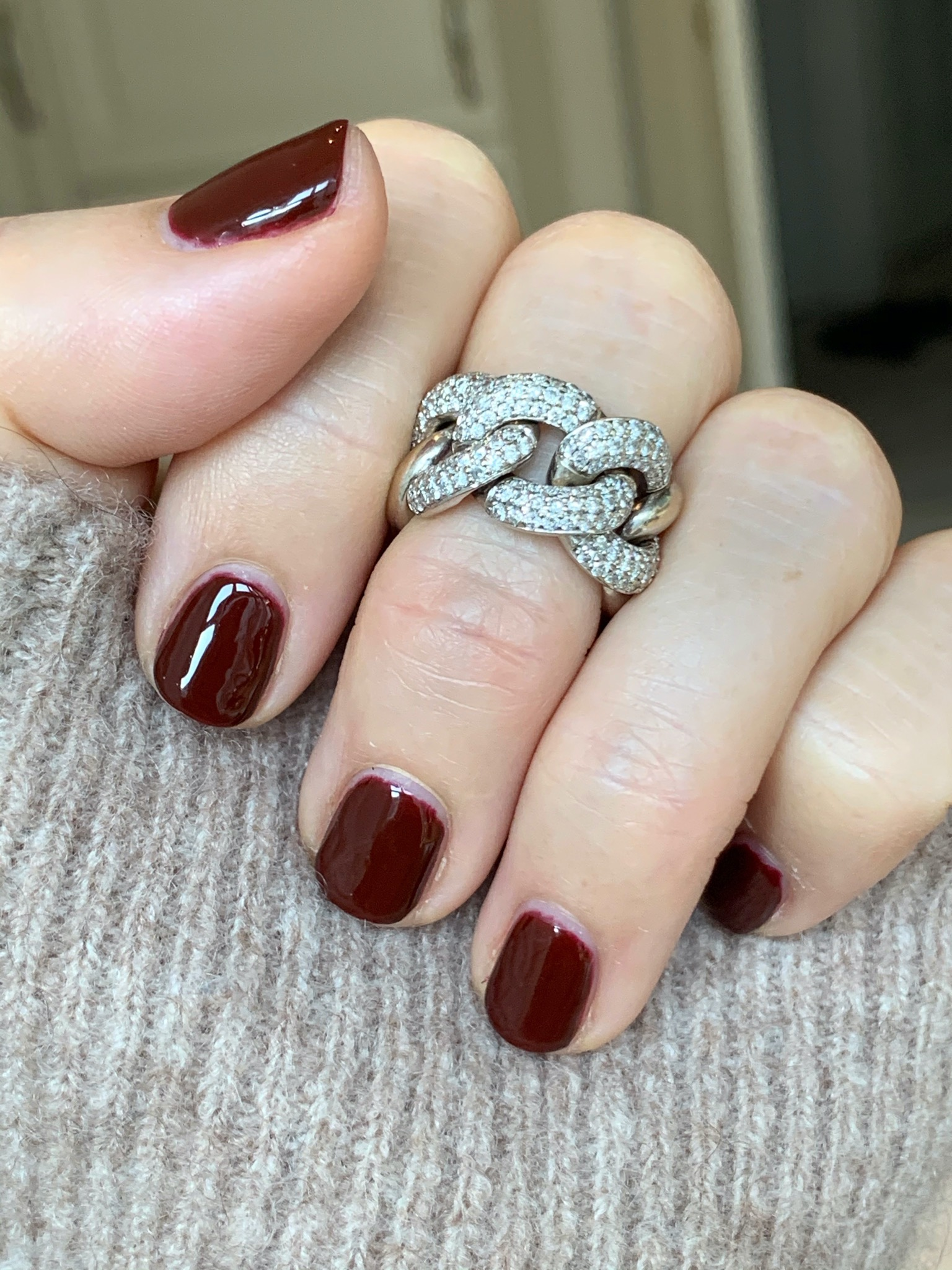 Chain ring in white gold
