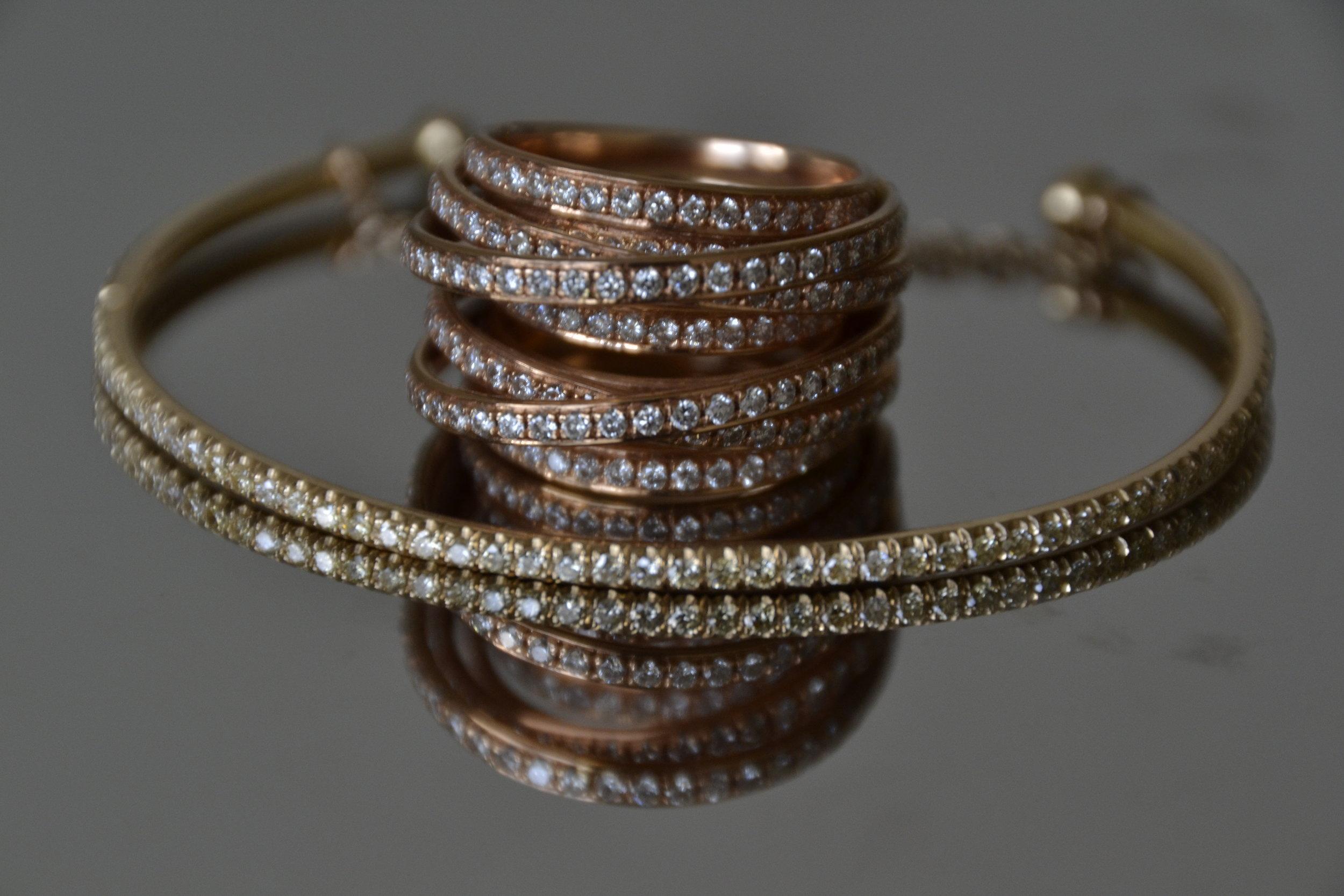 Ring and half bangle with diamonds