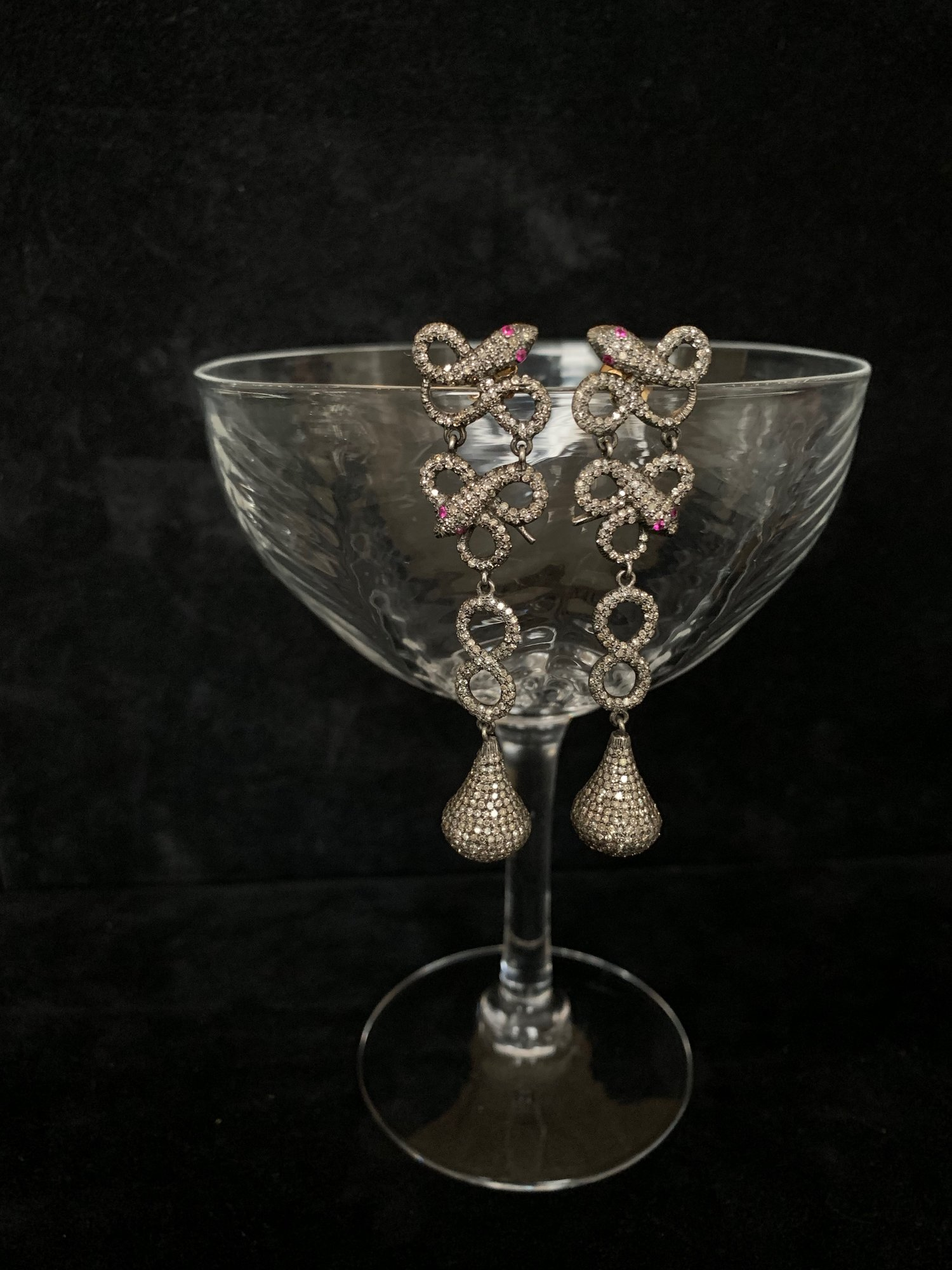 Antique earrings with diamonds and pink sapphires