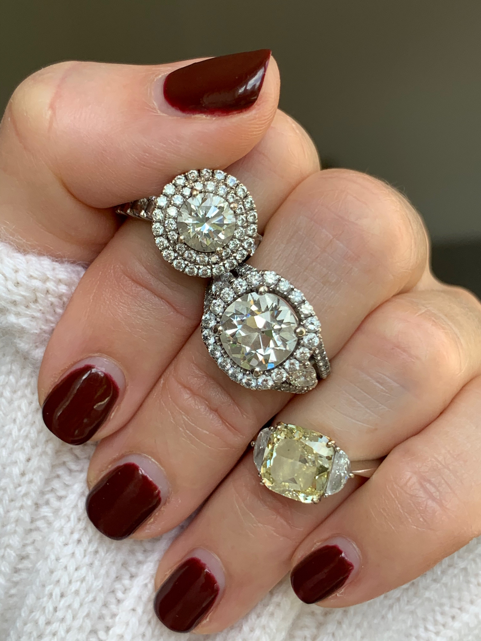 4 different rings with or without diamond halo