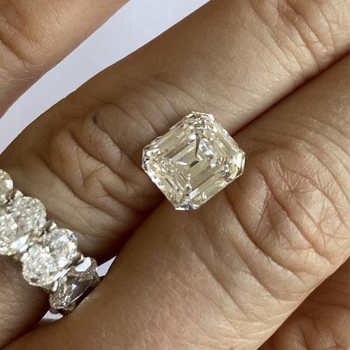 Skal du købe diamanter nu?