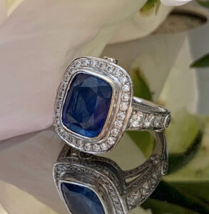 Specialdesignet diamantring